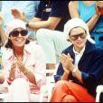 Les princesses Grace et sa fille Caroline, en 1972.