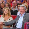 Nicole Calfan et Alain Delon lors de l'enregistrement de l'émission Vivement dimanche, diffusé sur France 2 le 9 septembre 2012