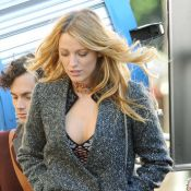 Gossip Girl : Blake Lively sensuellement décolletée auprès de Leighton Meester
