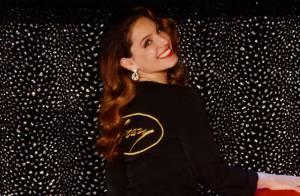 Kelly Brook, parfaite future danseuse intérimaire du Crazy Horse à Londres