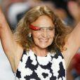 Diane Von Furstenberg et ses lunettes Google Glass à l'issue de son défilé printemps-été 2013 lors de la Fashion Week de New York. Le 9 septembre 2012.