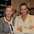 EXCLU : La princesse Stéphanie de Monaco et l'artiste Ben visitent le département psychiatrique de l'hôpital de la Princesse Grace a Monaco, décoré par les oeuvres de l'artiste, le 17 octobre 2012.