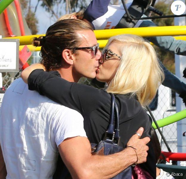 Gwen Stefani et Gavin Rossdale très amoureux lors d'une sortie en famille avec leurs enfants Kingston et Zuma chez Shawn's Pumpkin Patch à Los Angeles le 21 octobre 2012