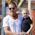 Gwen Stefani, Gavin Rossdale et leurs enfants Kingston et Zuma déguisés en vampires se sont offert une journée Halloween chez Shawn's Pumpkin Patch à Los Angeles le 21 octobre 2012