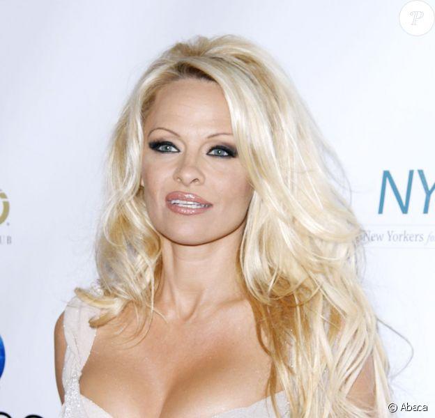 Pamela Anderson lors du gala A Night of New York Class à New York, le 23 octobre 2012.