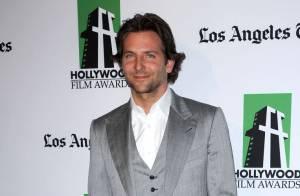 Bradley Cooper irrésistible : Aux côtés d'Emma Stone pour Cameron Crowe ?