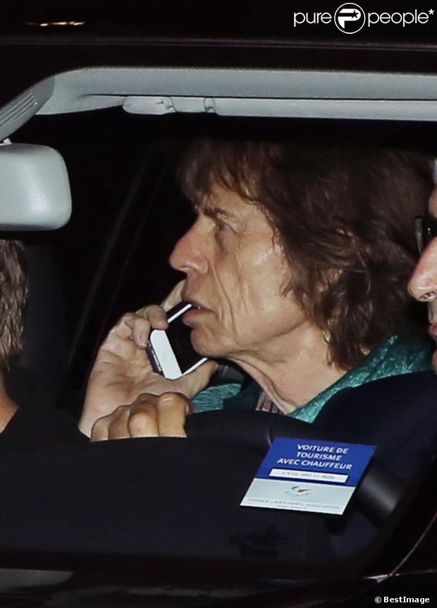Mick Jagger arrive au concert au Théâtre Mogador à Paris le 29 Octobre 2012.