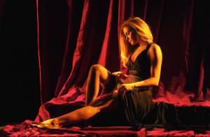 Clara Morgane : Exposition et vente aux enchères sensuelles de son Calendrier