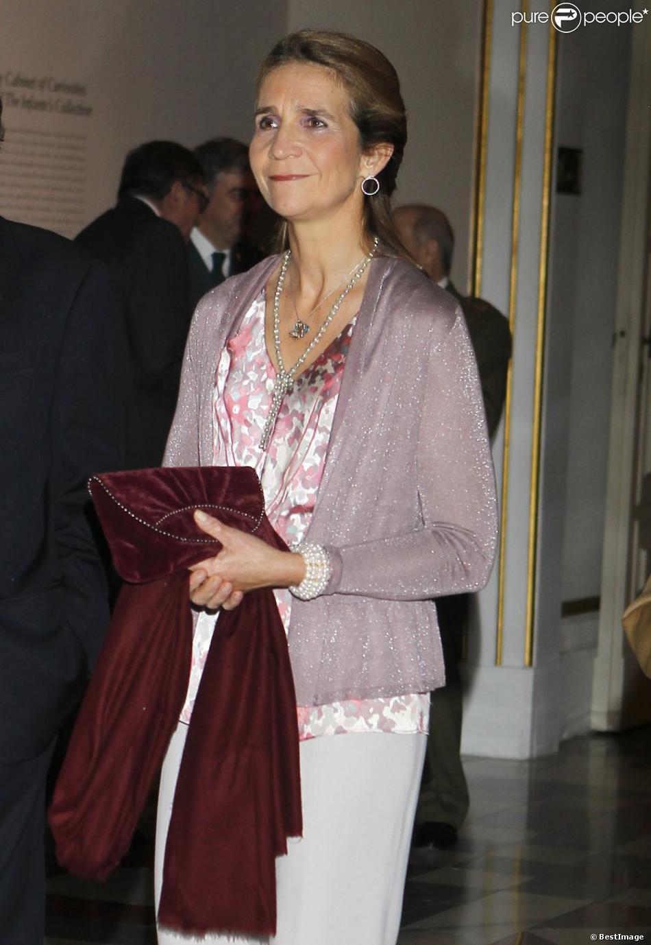 L'infante Elena d'Espagne au vernissage de l'exposition de Francisco de Goya à Madrid le 29 octobre 2012.