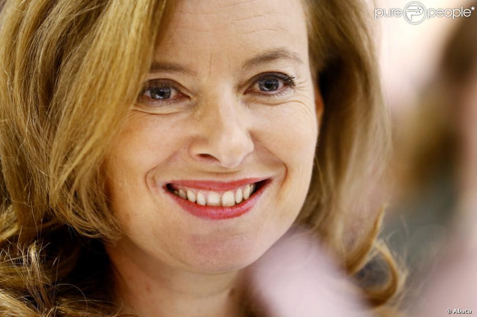 Val rie trierweiler lors du 31e salon du livre de brive la for Salon livre brive