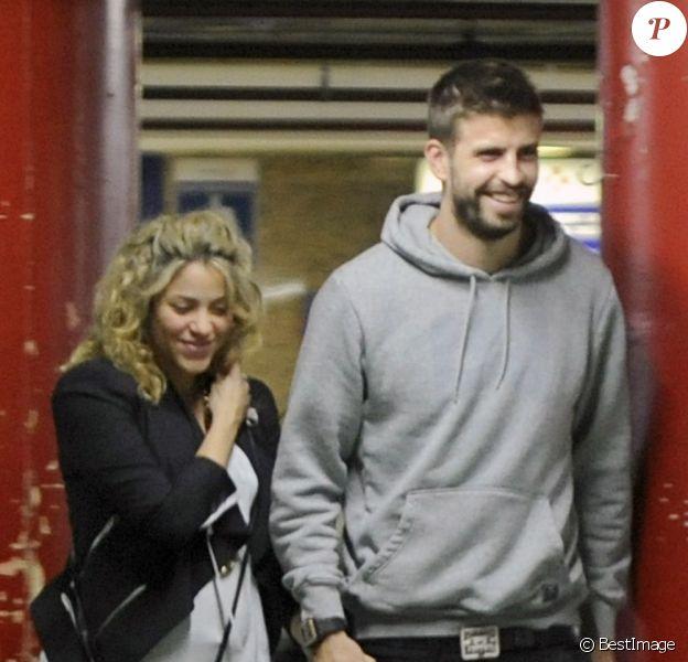 Shakira (enceinte) et Gerard Piqué ont été voir Skyfall au cinéma, à Barcelone en Espagne, le 14 Novembre 2012.