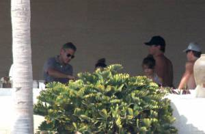 George Clooney, Cindy Crawford avec leurs amoureux : Bain de soleil et bon repas