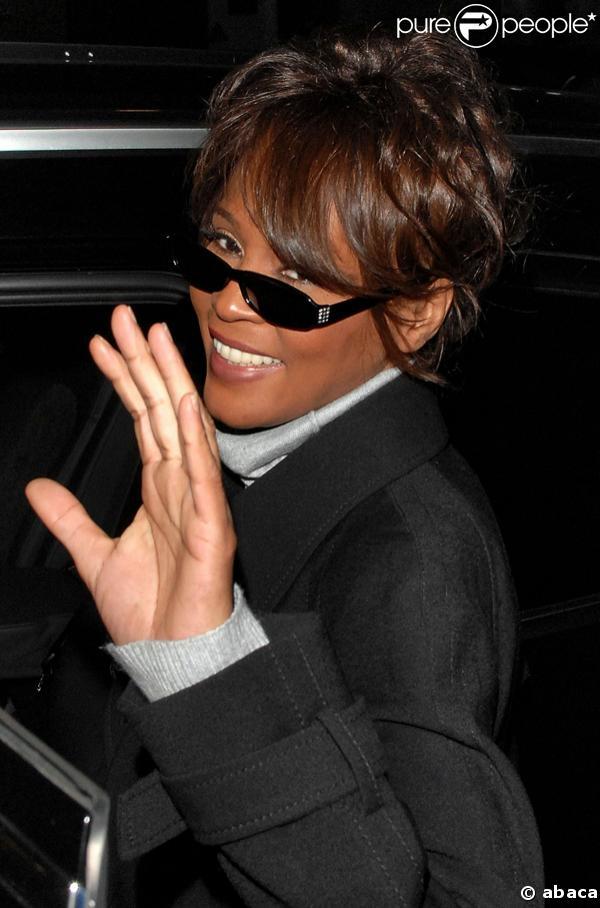 Whitney Houston 1963 – 2012 (HAND ANALYSIS) 1121-whitney-houston-637x0-1