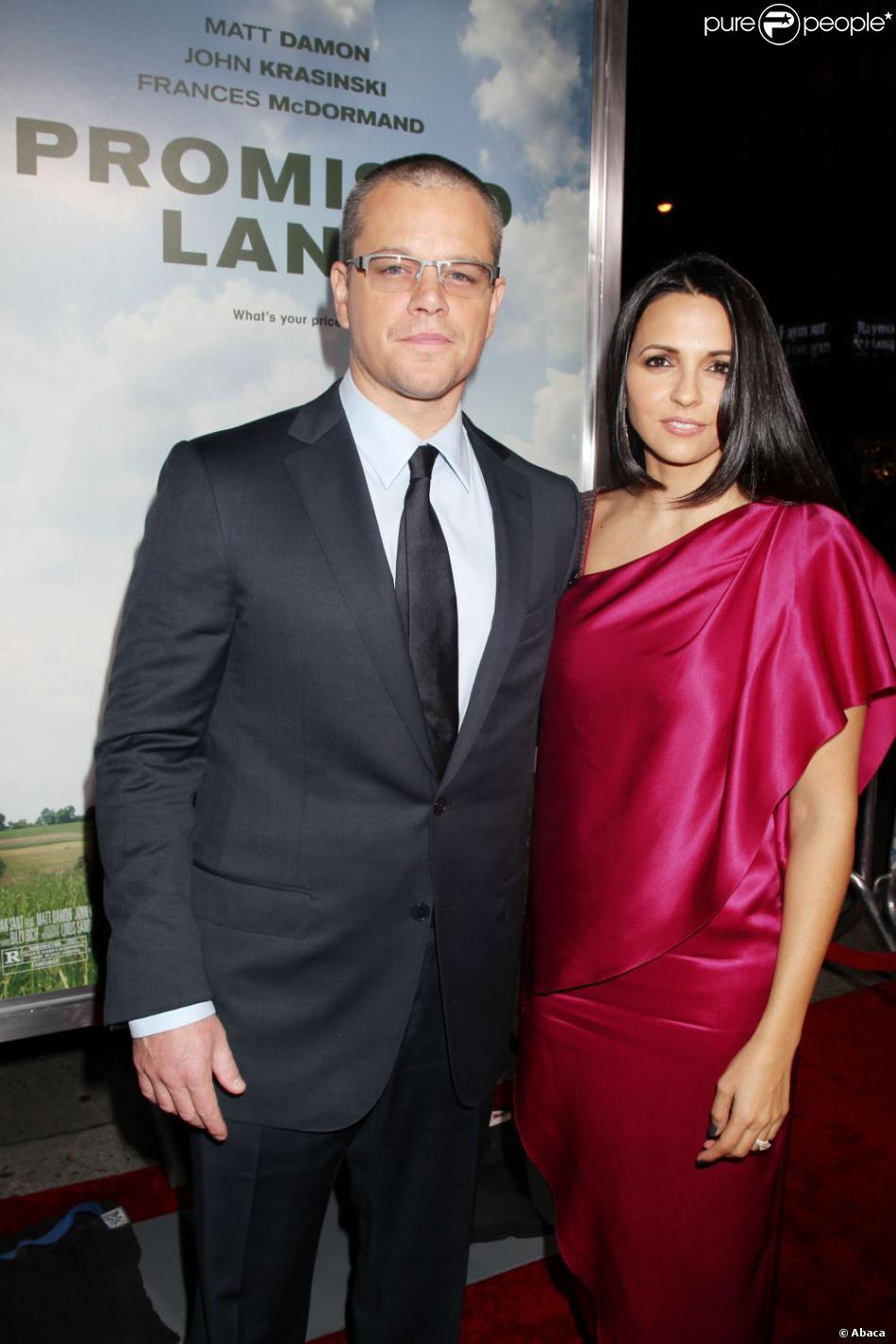 Matt Damon et sa femme Luciana Barroso lors de la première de Promised Land àNew York le 4 décembre 2012.