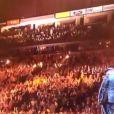 Taylor Swift animait avec LL Cool J la soirée des nominations des Grammy Awards, le 5 décembre 2012 à Nashville. Et elle a tenté un peu de beat box sur sa chanson  Mean .