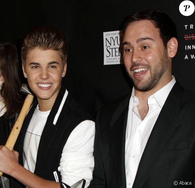 Justin Bieber et son manager Scooter Braun à New York le 27 avril 2012.