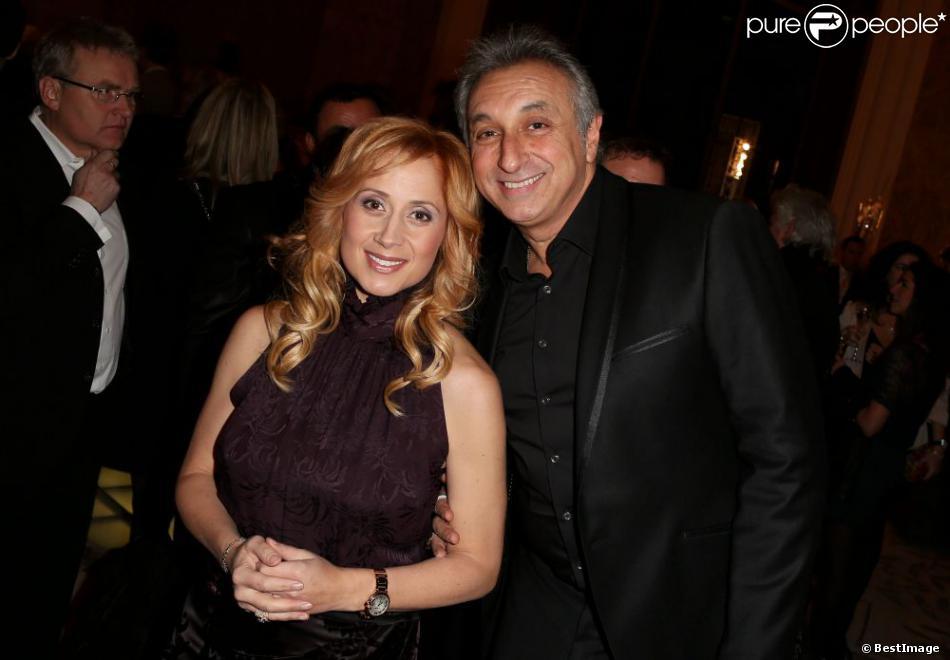 Lara Fabian et Gérard Pullicino à Paris le 3 décembre 2012 lors de la vente aux enchères des Frimousses de Créateurs au Petit Palais