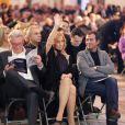 Alain Delon, Lara Fabian et Bernard Montiel à Paris le 3 décembre 2012 lors de la vente aux enchères des Frimousses de Créateurs au Petit Palais