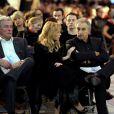 Alain Delon, Lara Fabian et Gérard Pullicino à Paris le 3 décembre 2012 lors de la vente aux enchères des Frimousses de Créateurs au Petit Palais