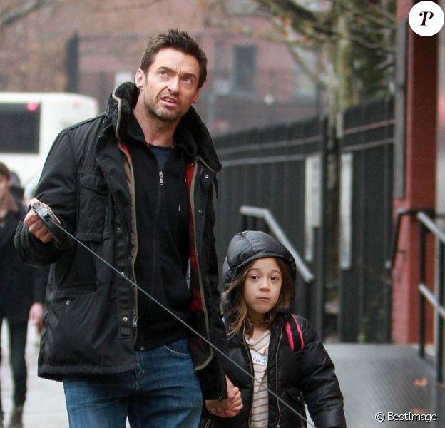 Hugh Jackman est allé chercher sa jeune fille Ava à la sortie de l'école à New York le 10 décembre 2012.