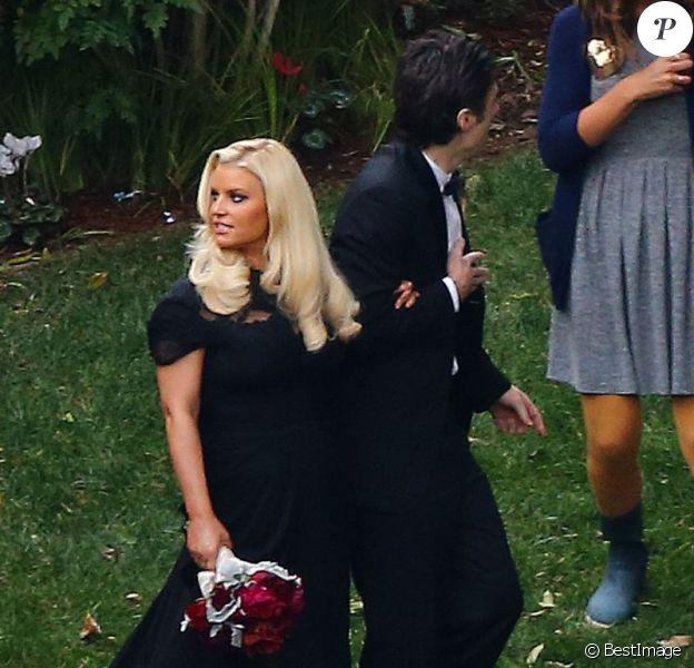 Jessica Simpson invitée de charme du mariage de Donald Faison et Cacee Cobb, à Los Angeles, dans la maison de Zach Braff, le 15 décembre 2012.