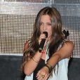Lea Castel chante au concert caritatif pour l'association Les Petits Anges de la vie au VIP Room de Jean-Roch à Paris le 11 Juin 2012.