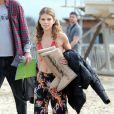 AnnaLynne McCord sur le tournage de la série 90210 à Huntington Beach à Los Angeles, le 17 décembre 2012 - AnnaLynne McCord, superbe en maillot, n'a pas froid aux yeux