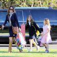 Brooke Burke va chercher ses adorables filles à l'école à Malibu le 20 décembre 2012