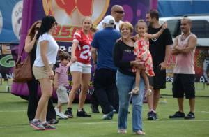 Jennifer Lopez : Match de football endiablé avec Casper et les jumeaux
