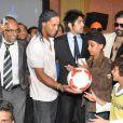"""''En foot comme en cinéma, il n'y a pas de limites"""", a dit Ronaldinho lors de la conférence de presse de lancement du film d'animation  R-10 , dont il sera le héros, au Meridien Hotel de Pune, en Inde, le 28 décembre 2012."""