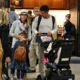 Pour Jessica Alba et sa jolie famille, les vacances au Mexique sont terminées ! La star a passé 8 jours sous le soleil de Cabo et a été photographiée à l'aéroport de Los Angeles, le 6 janvier 2012