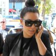 Kim Kardashian arrive au restaurant Serafina avec son ami Jonathan Cheban. Miami, le 7 janvier 2013.