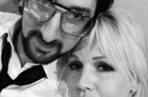 Jennie Garth : Officiellement en couple avec un jeune musicien