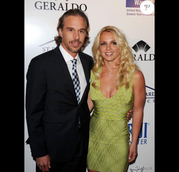 Britney Spears et Jason Trawick amoureux lors d'une soirée à Los Angeles, le 11 mai 2011.