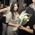 Kim Kardashian, ravissante, arrive à Abidjan, le 18 janvier 2013, pour assister à deux évènements : un show au Palais des Congrès de l'Hôtel Ivoire et une soirée privée dans la boite de nuit Life Star.