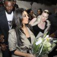 Kim Kardashian arrive à Abidjan, le 18 janvier 2013, pour assister à deux évènements : un show au Palais des Congrès de l'Hôtel Ivoire et une soirée privée dans la boite de nuit Life Star.