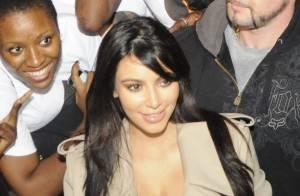 Kim Kardashian : La future maman est hyperactive pendant que Kanye se détend