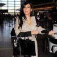 Kim Kardashian à l'aéroport de Los Angeles, afin de s'envoler vers Abidjan, en Côte d'Ivoire, le 17 janvier 2013