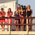 Nabilla Benattia, Amélie (Secret Story 4), Alban (The Voice), Capucine (Secret Story 6), Thomas Vergara (Secret Story 6), Benjamin (La Belle et ses princes presque charmants), Frédérique (Koh Lanta), Aurélie et Samir (L'île des Vérités), Marie (Koh Lanta), et les deux anges anonymes sur le tournage de la cinquième saison des Anges de la Télé-Réalité sur une plage à Miami, le 22 janvier 2013.