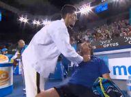 Novak Djokovic joue au docteur avec Henri Leconte : Bouche-à-bouche de rigueur !