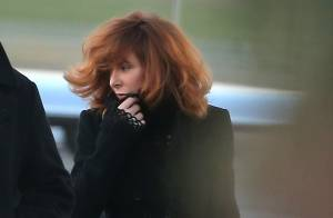 NRJ Music Awards 2013 : Mylène Farmer arrive en jet privé et se prépare