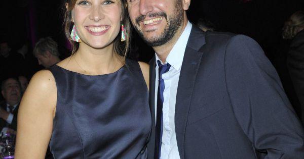 Julie de bona et son compagnon lors du d ner de gala du for Prix compagnon