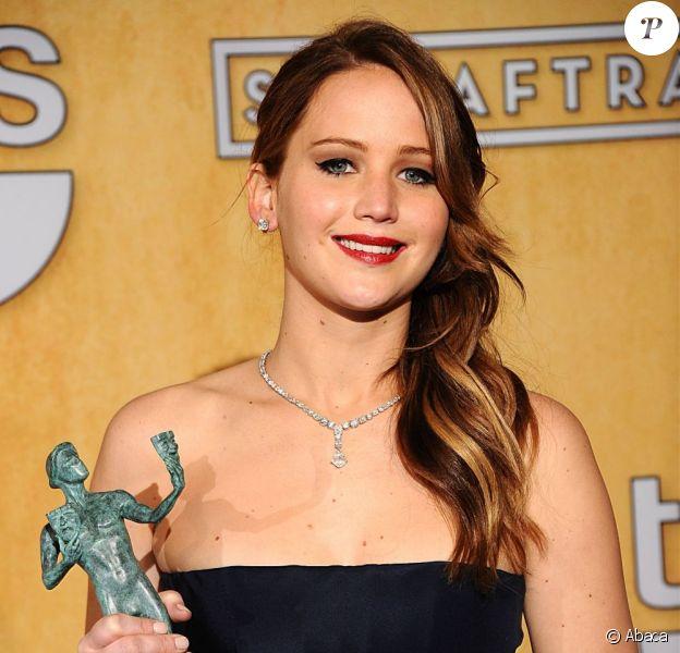 Jennifer Lawrence a une nouvelle fois triomphé aux Screen Actors Guild (SAG) Awards à Los Angeles, le 27 janvier 2013.