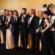 Le casting d'Argo récompensé avec John Goodman, Bryan Cranston, Kerry Bishe, Ben Affleck, Victor Garber, Alan Arkin et Clea DuVall aux Screen Actors Guild (SAG) Awards à Los Angeles, le 27 janvier 2013.