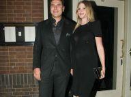Lara Stone enceinte et glamour pour une sortie en amoureux avec son mari