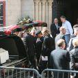John Galliano aux obsèques de son ami et bras droit Steven Robinson, à Paris, le 11 avril 2007.