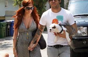 PHOTOS : Ashlee Simpson et son mari pouponnent...leur chien !