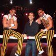 Romain Mesnil était l'invité d'honneur des Cuba Boys du cirque Arlette Gruss à qui il a fait don de 6 de ses perches pour leur permettre de poursuivre leur spectacle, le 6 février 2013 à Bordeaux