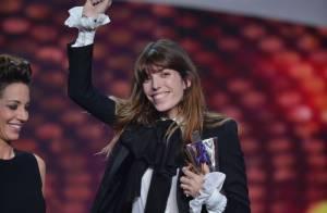 Victoires de la Musique 2013: Lou Doillon ivre de joie entre sa mère et son fils