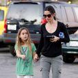 Courteney Cox et sa jeune fille Coco Arquette dans les rues de Malibu, le 18 janvier 2013.